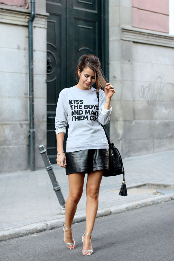 Aquestionof_Sweatshirt-Leather_Shorts-Silver_Sandals-Asos-Street_style-Outfit-3