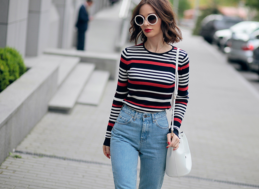 Sonya-Karamazova-moms-jeans-polosaty-top-fashion-blogger-Ukraine