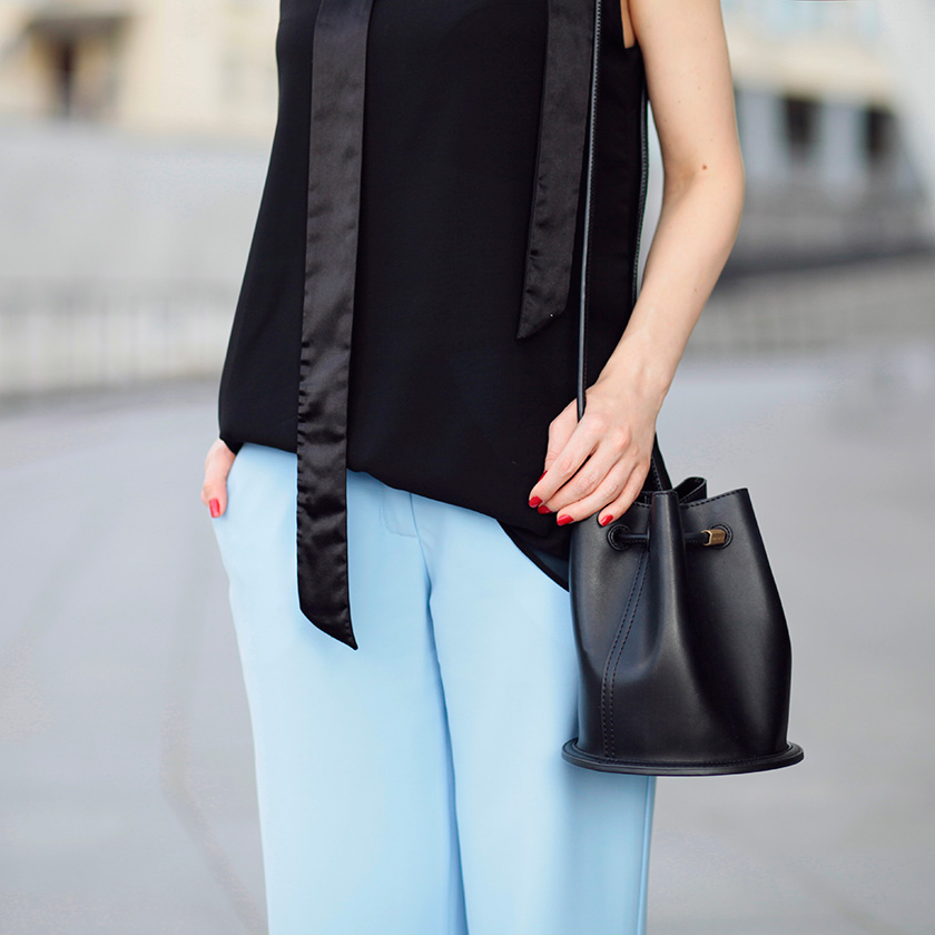 sonya-karamazova-bucket-bag-charles-and-keith-black-and-blue