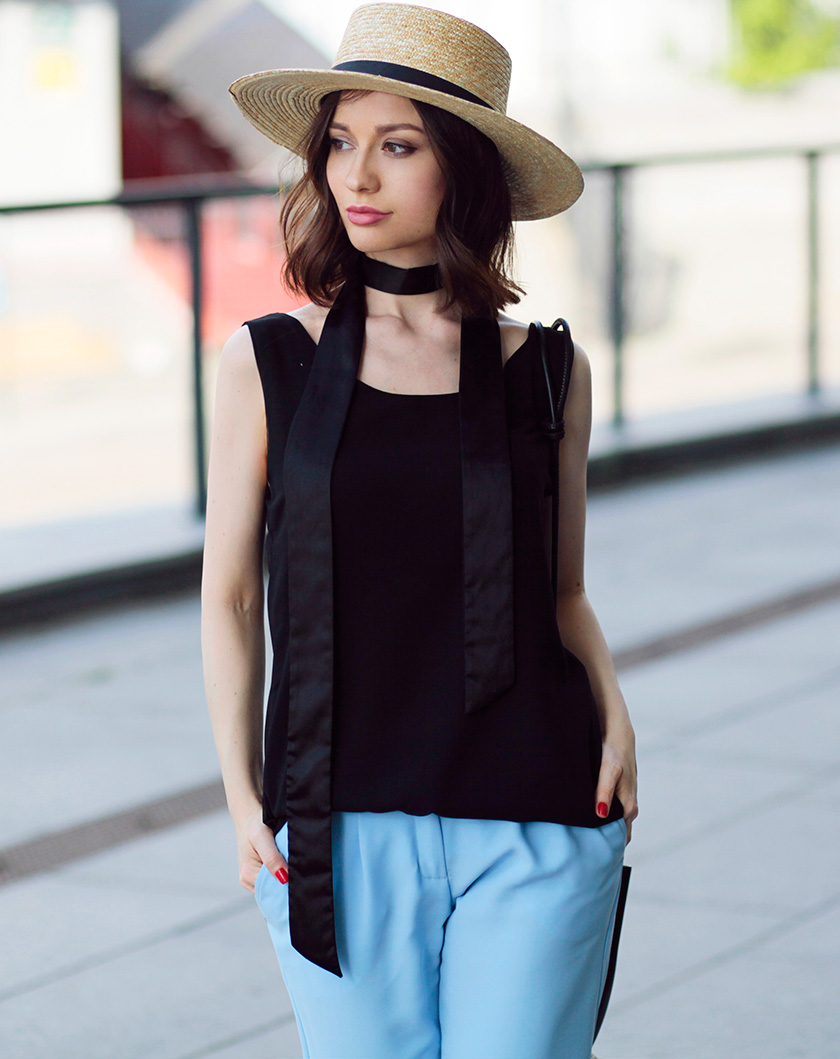 sonya-karamazova-fashion-blogger-skinny-scarf-outfit-for-summer