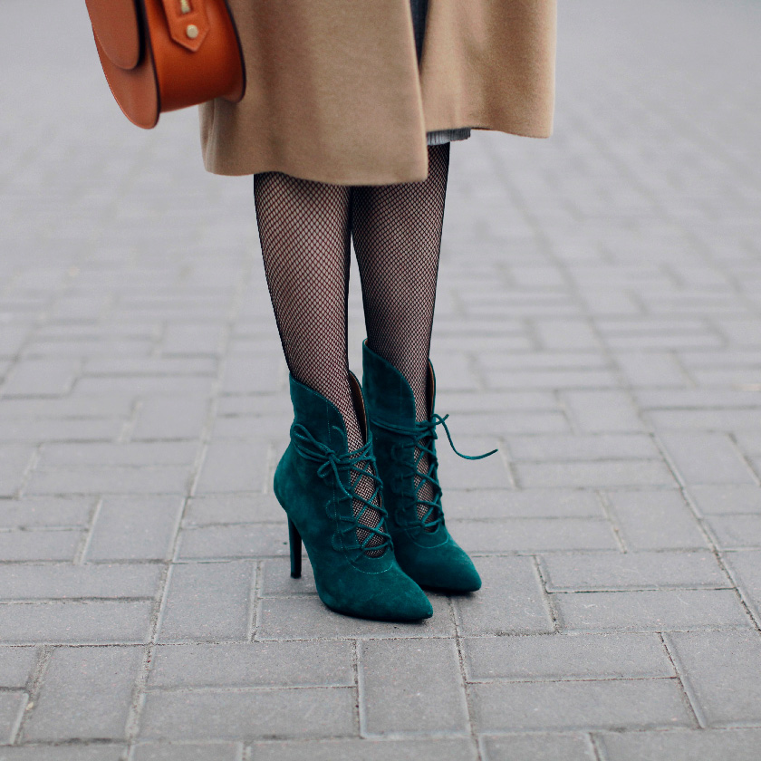 sonya-karamazova-fashion-blog-emerald-seude-boots