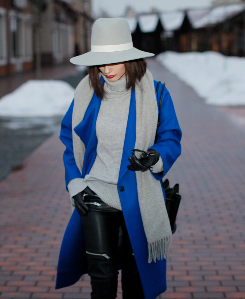 Sonya-Karamazova-coats-for-winter-chto-nadet-zimoy-blue-coat