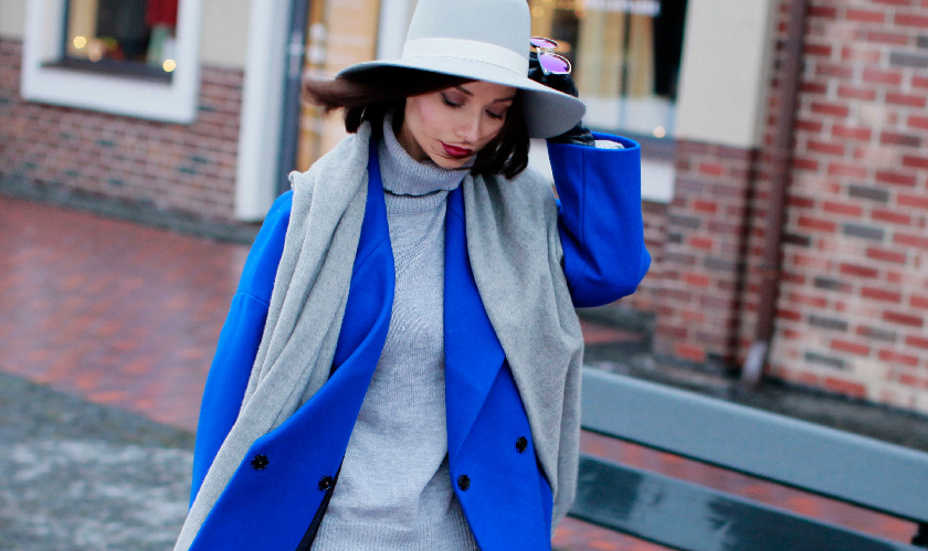 Sonya-Karamazova-winter-outfit-ideas-idei-zimnih-obrazov-blue-coat